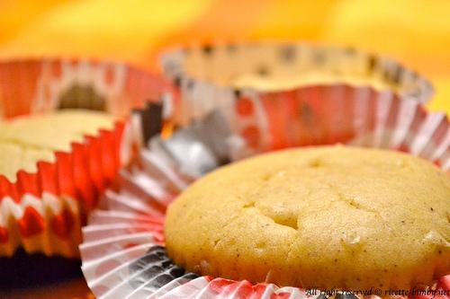 Muffin all'uvetta e cannella