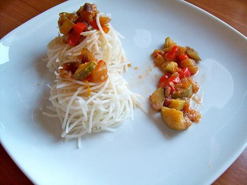 Noodles spaghetti di riso alle verdure