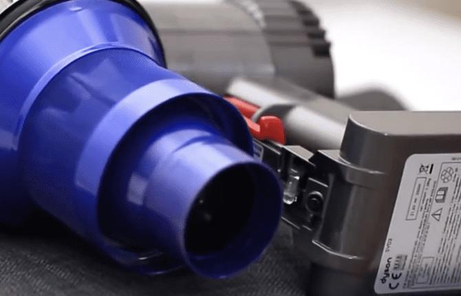 Cs, CAREservice dyson-v6-sostituzione-della-batteria-670x430 Dyson V6 - Sostituzione della batteria [video] Dyson V6  V6